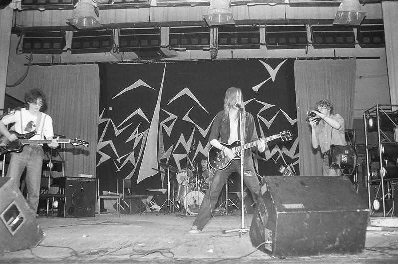 «Гражданская оборона» на сцене Ленинградского рок-клуба.