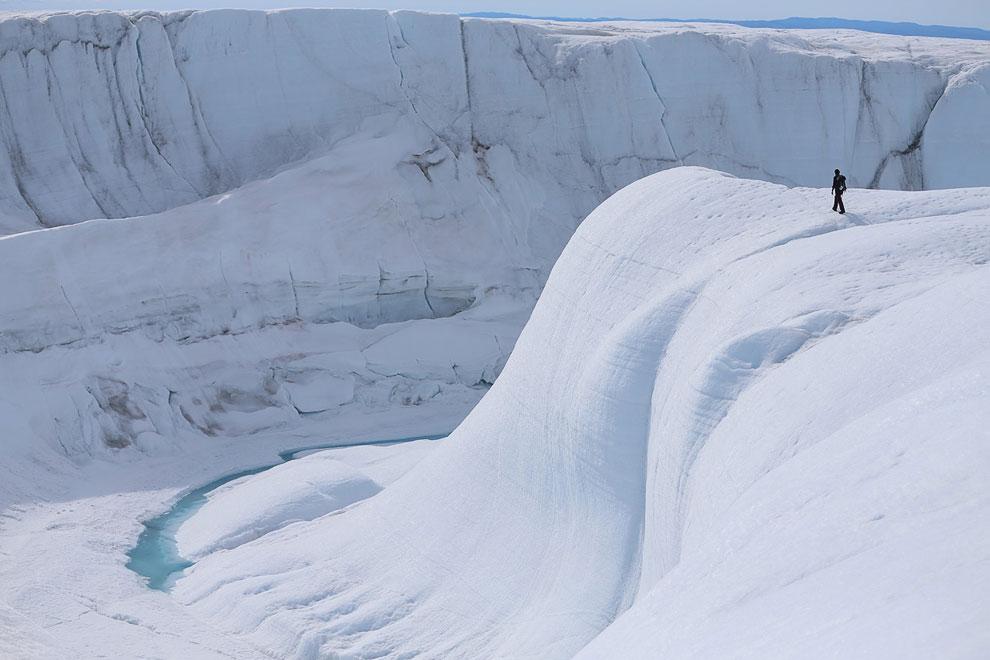 Невероятные пейзажи острова Гренландия, 17 июля 2013. (Фото Joe Raedle | Getty Images):