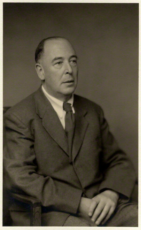 a biography of the life and times of clive staples lewis Cs lewis a biography by roger lancelyn green clive staples lewis britanski pisatelj lewis, clive s (clive staples), 1898-1963.