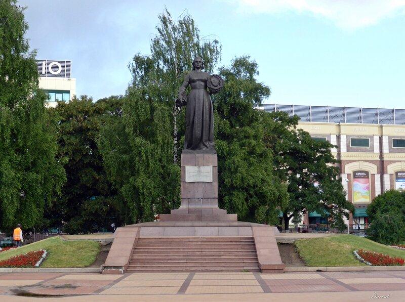 Эконом памятник Волна в камне Правдинск памятник подешевле Шадринск
