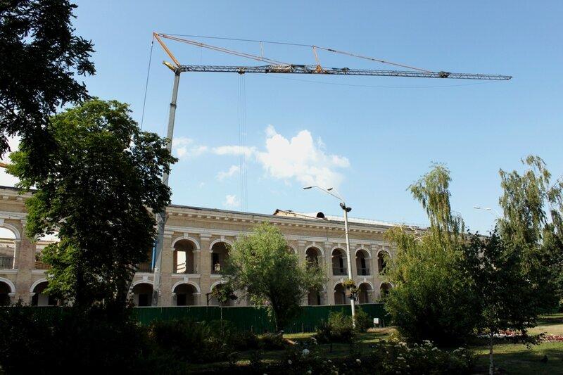 Реконструкция Гостиного двора