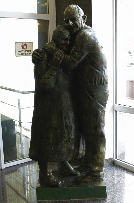 Памятник Луиджи и Мокрине в Музее истории Киева