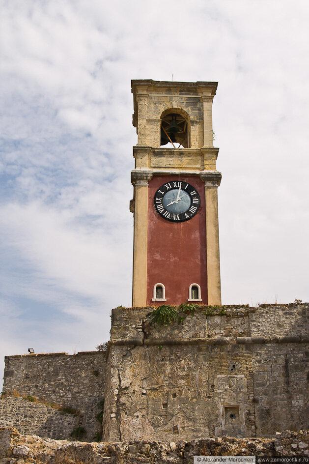 Башня с часами в Старой Крепости Керкиры (о. Корфу, Греция)