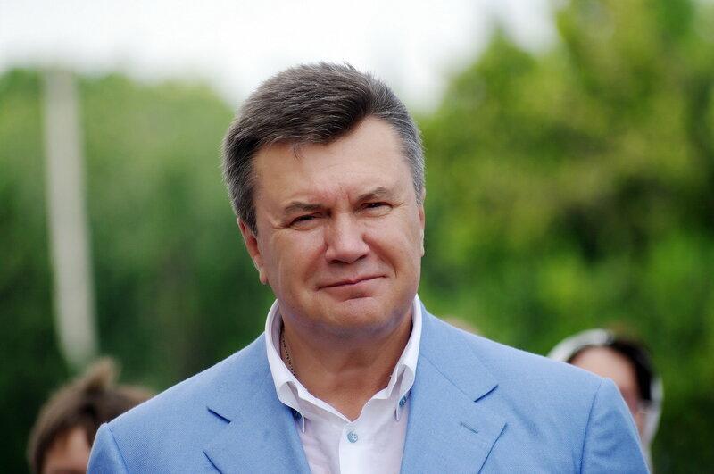 Чем Янукович угощал гостей на своем дне рождения
