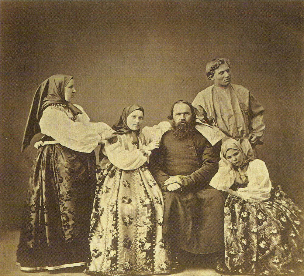 Крестьяне Богородского уезда Тульской губернии. Фото А.О. Карелина. 1870 г.