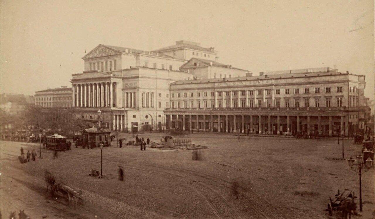 Театральная площадь со зданием Большого театра 1870