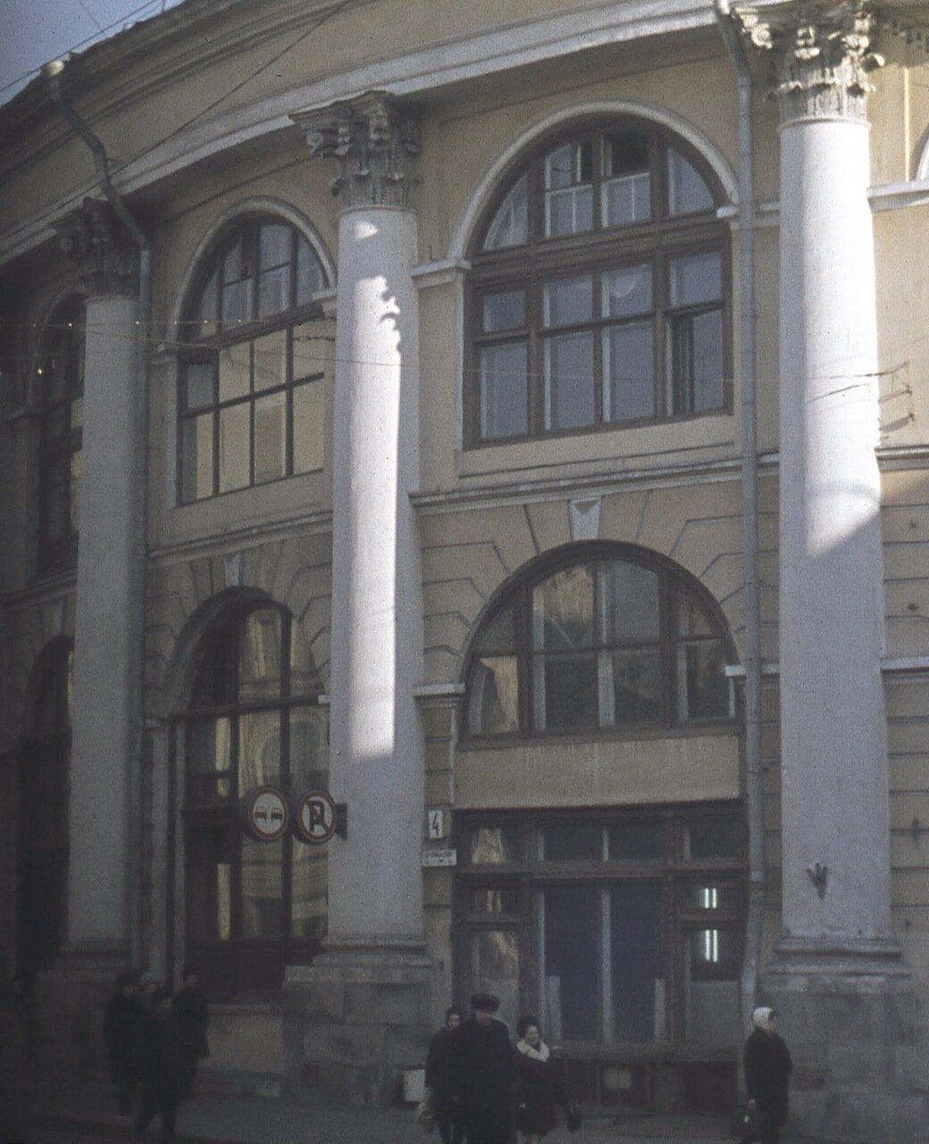 Здание Гостиного двора.