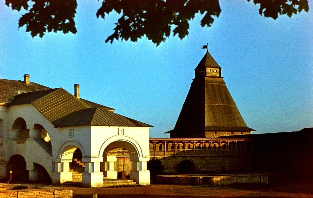 4. Власьевская башня