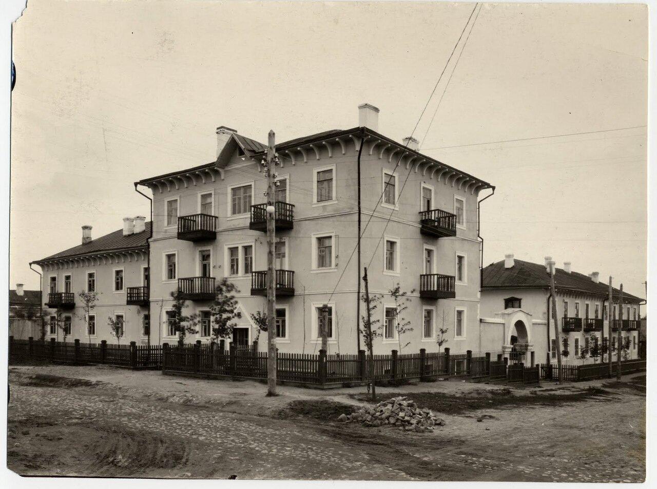 Улица Горького. 38 (1950)