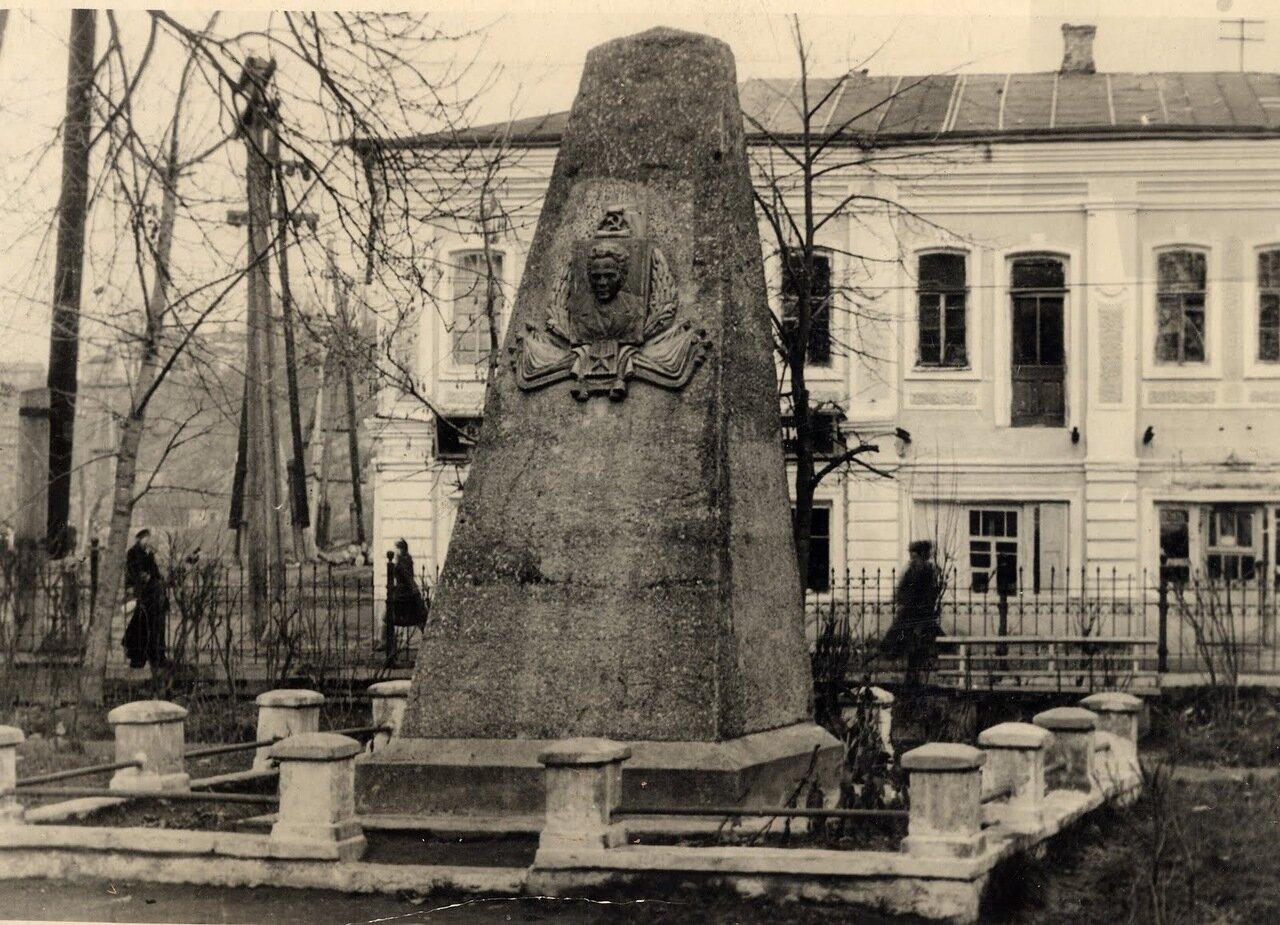 Памятник Фокину