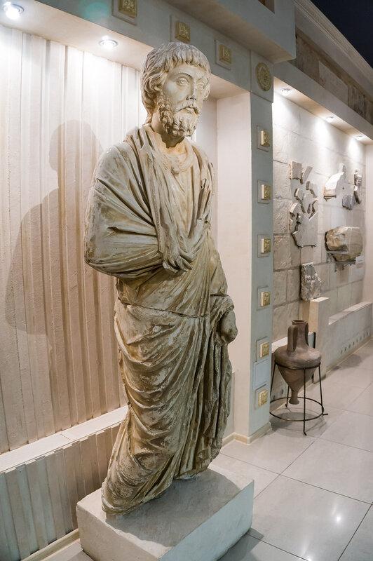 Неокл - правитель Горгиппии. Около 180 г. н.э.