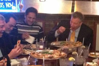 Вилка Нью-Йоркского мэра была продана за две с половиной тысячи долларов
