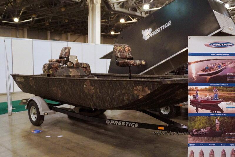 "Рыболовная лодка, выставка ""Охота и рыбалка 2014"", Москва"