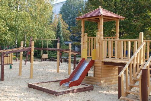 Детская площадка из дерева