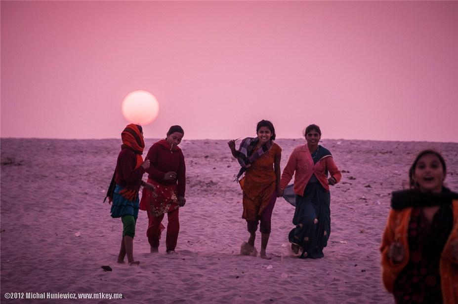 Девушки в Варанаси - путешествие по Индии / India by Michal Huniewicz