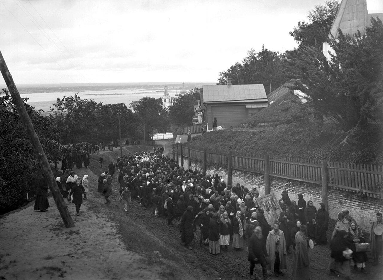 Крестный ход из Печерского монастыря. к. XIX в. Нижний Новгород