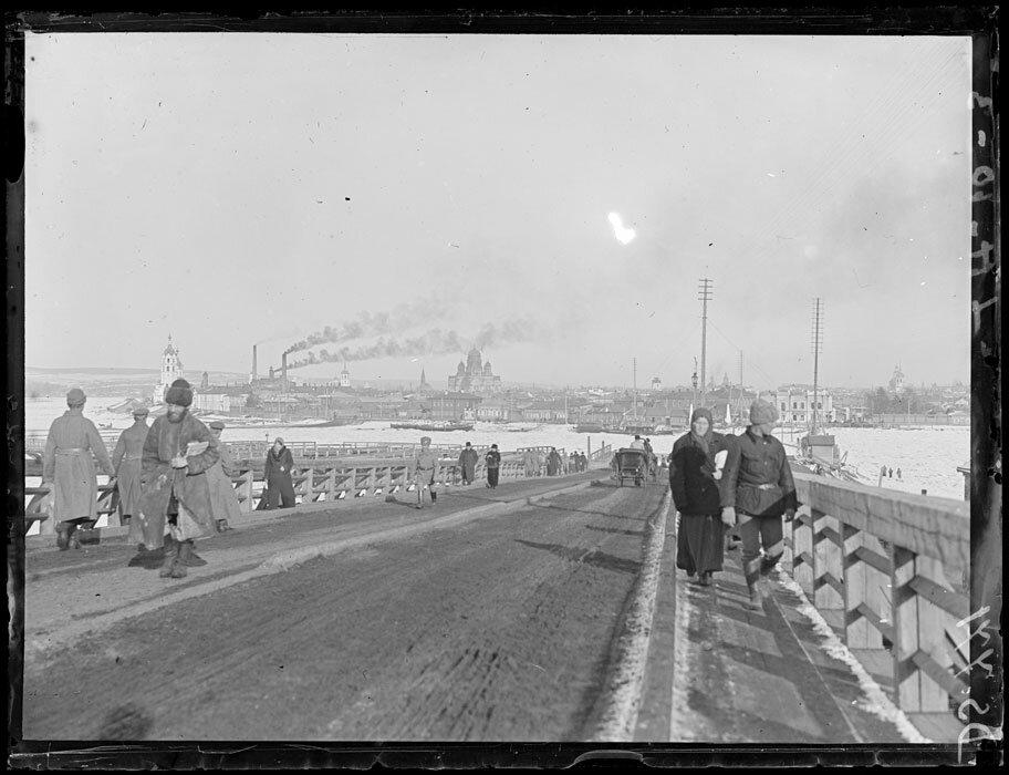 1919. Март. Иркутск. Панорама на въезде в город у Ангарского моста