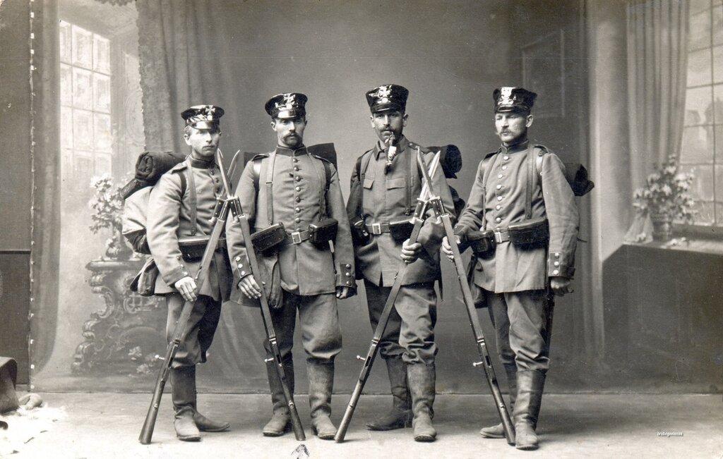 Studio portrait of four Bavarian infantrymen from the 11th Bavarian Infanterie Brigade, September 1914