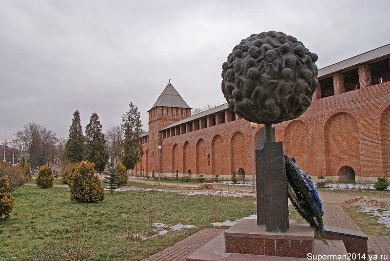 Памятник «Опаленный цветок»