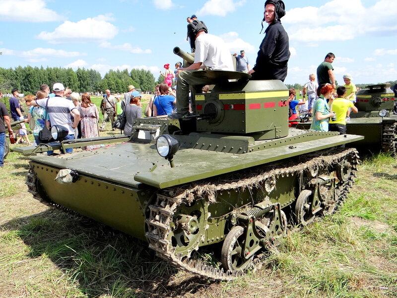 Эшелон российских танков в 15 км от границы с Украиной. Танкисты ждут отправки на Донбасс - Цензор.НЕТ 6516