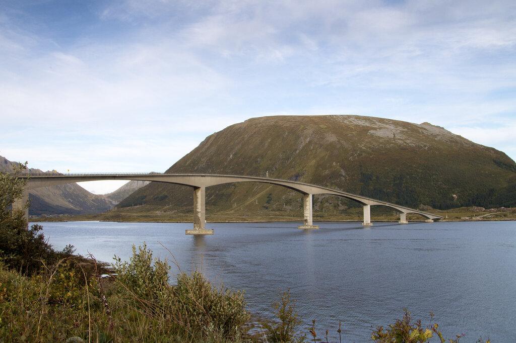 Мост на Лофотенских островах