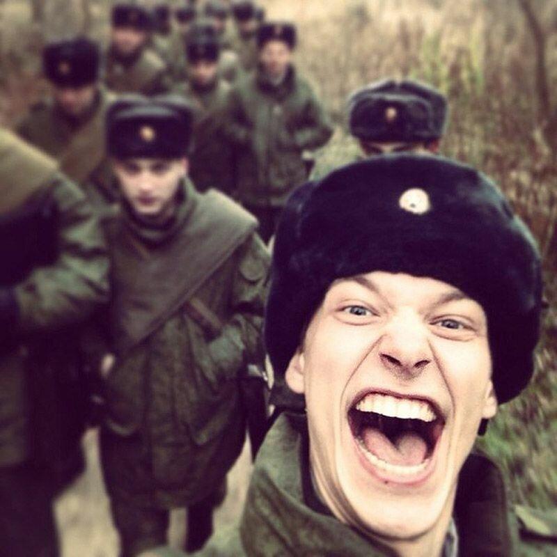 Весёлый курсант военного училища