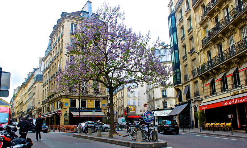 Весна в Париже.