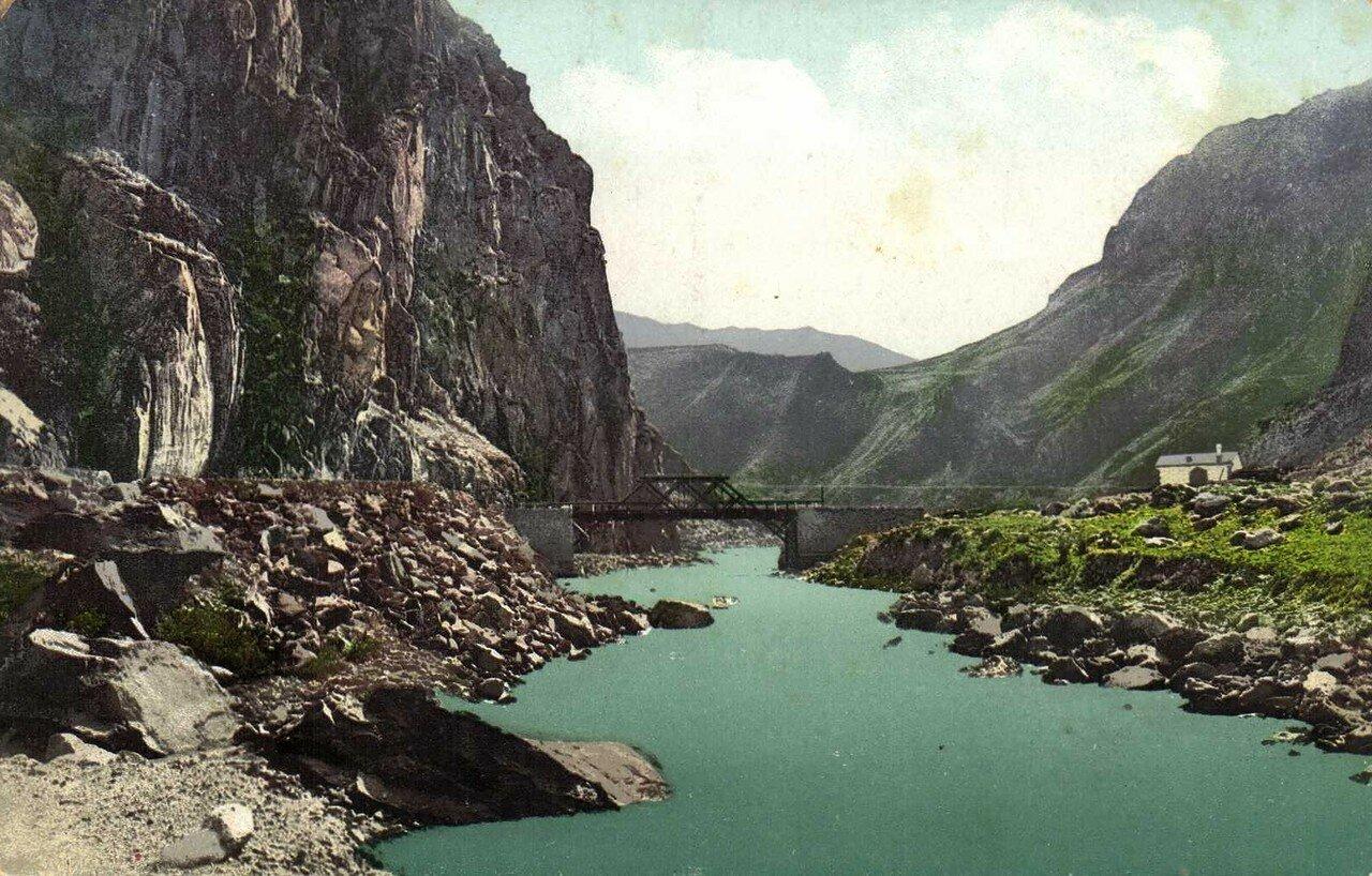 Дарьяльское ущелье. Гвелевский мост на Тереке