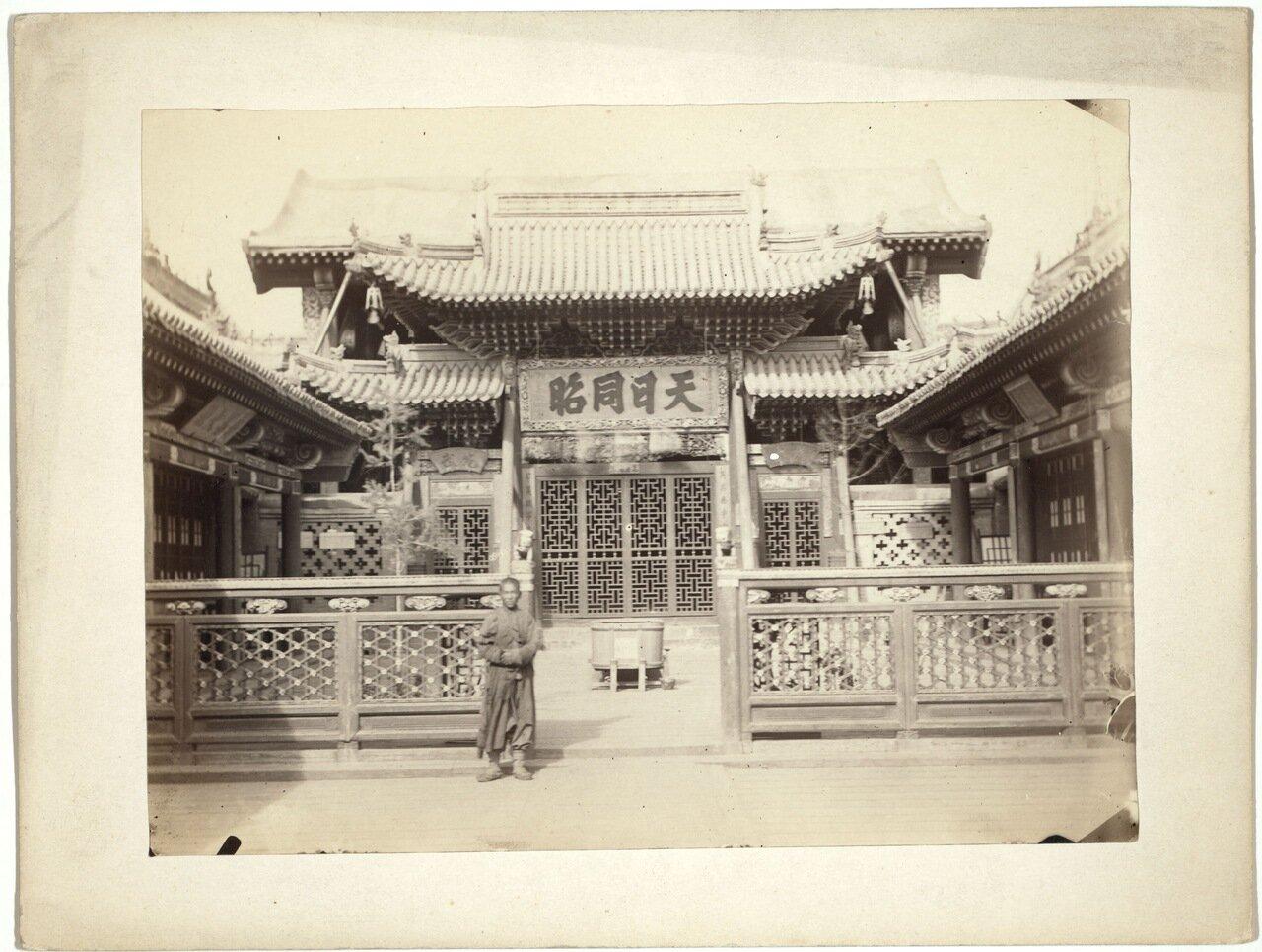 Маймачен. Вход в китайский храм.