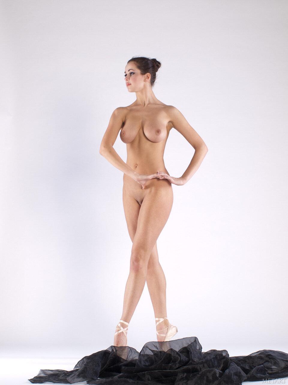 Голая танцовщица фото #8