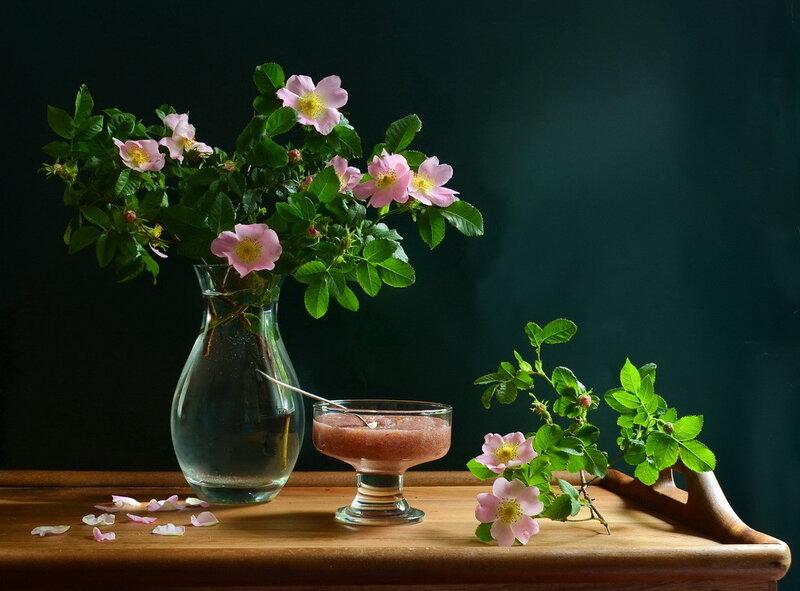 Варенье из лепестков роз...