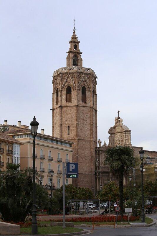 Валенсия, Башня кафедрального собора