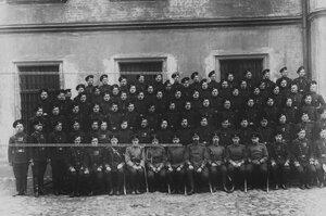 Офицерский и рядовой состав дивизиона.
