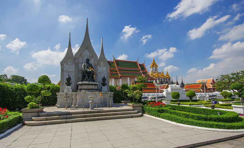 По Бангкоку
