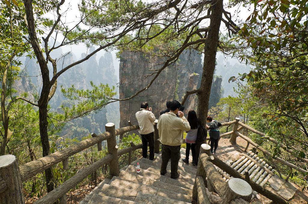 Фото 18. Туристы в парке Zhangjiajie в Китае. Отзывы о самостоятельной экскурсии