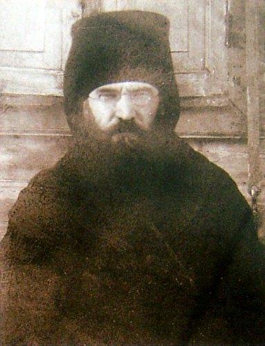 Епископ Николай (Никольский) во время следствия по делу Елецкой автокефальной церкви. Фото 1923 г.