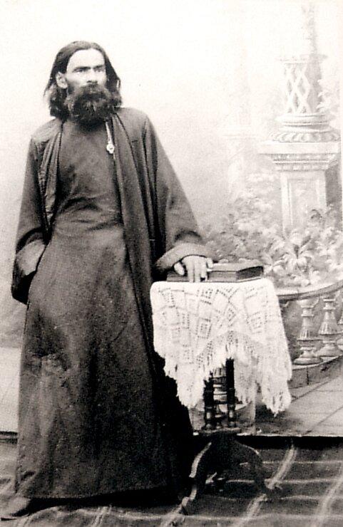 Михаил Яковлевич Садовников - диакон Покровской церкви Ельца