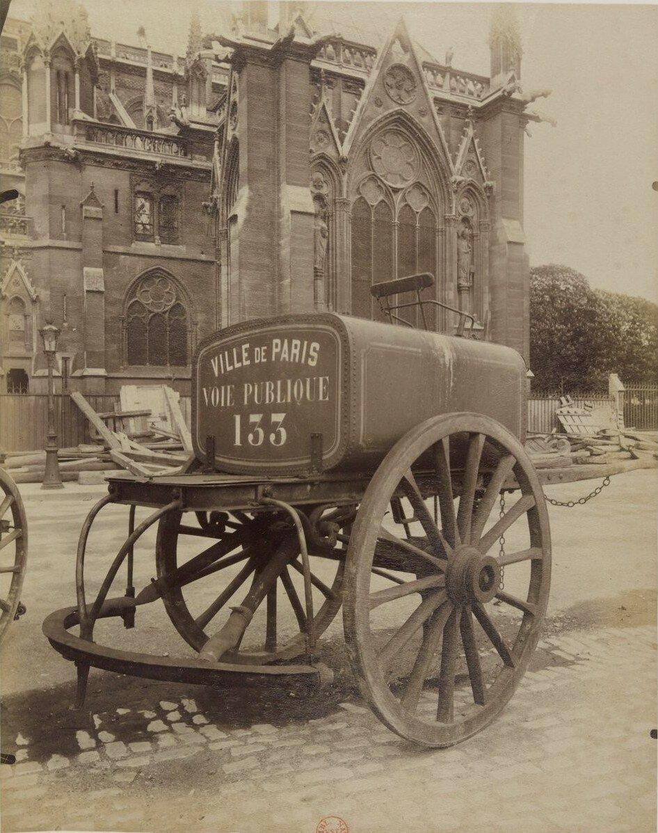 1910. Поливальная машина