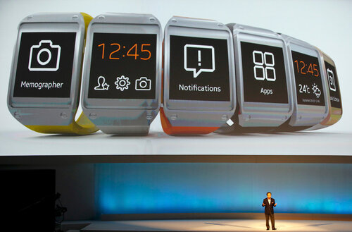 SAMSUNG представила «умные» часы