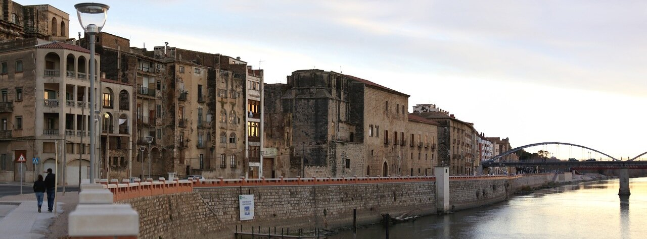 Tortosa, Тортоса.  Ebro river, закат над Эбро