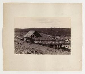 Шлюз для промывки золотоносной земли. Панорама из двух листов. Лист I.