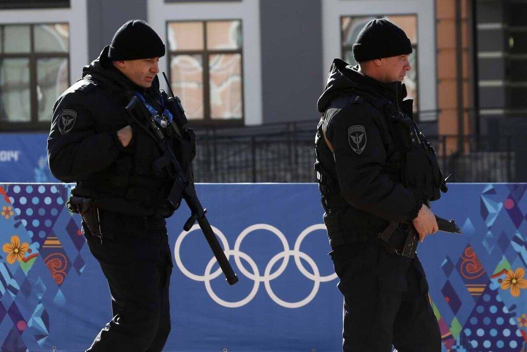 Полицейские патрули на улицах города (6)