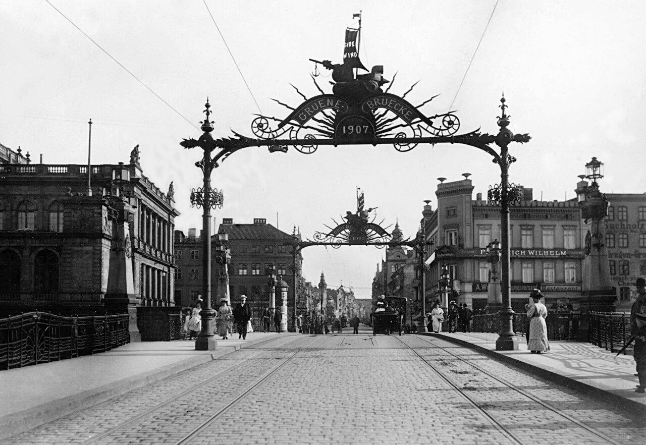 Зеленый мост и перспектива улицы Фордере Форштадт. 1907