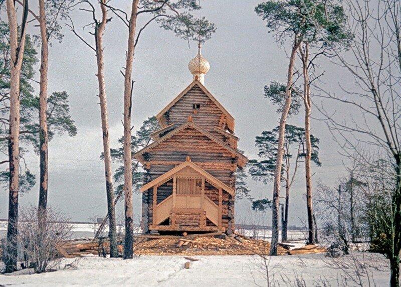Деревянная церковь из с. Тухолье.