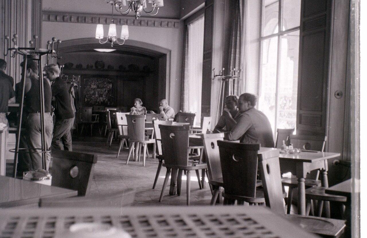 8 сентября 1959. Кафе в Восточном Берлине