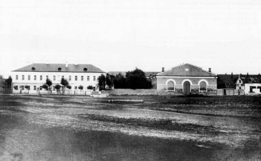 Дровяная площадь и Юнкерское училище. 1890