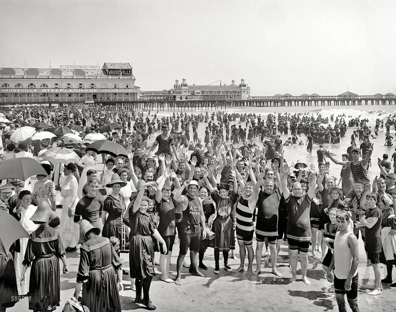 1910. Руки вверх