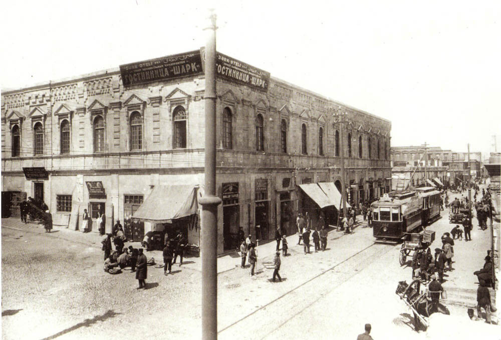 1928. ул. Базарная, уг. ул. Зиновьева (Г. Гаджиева уг. К. Караева)