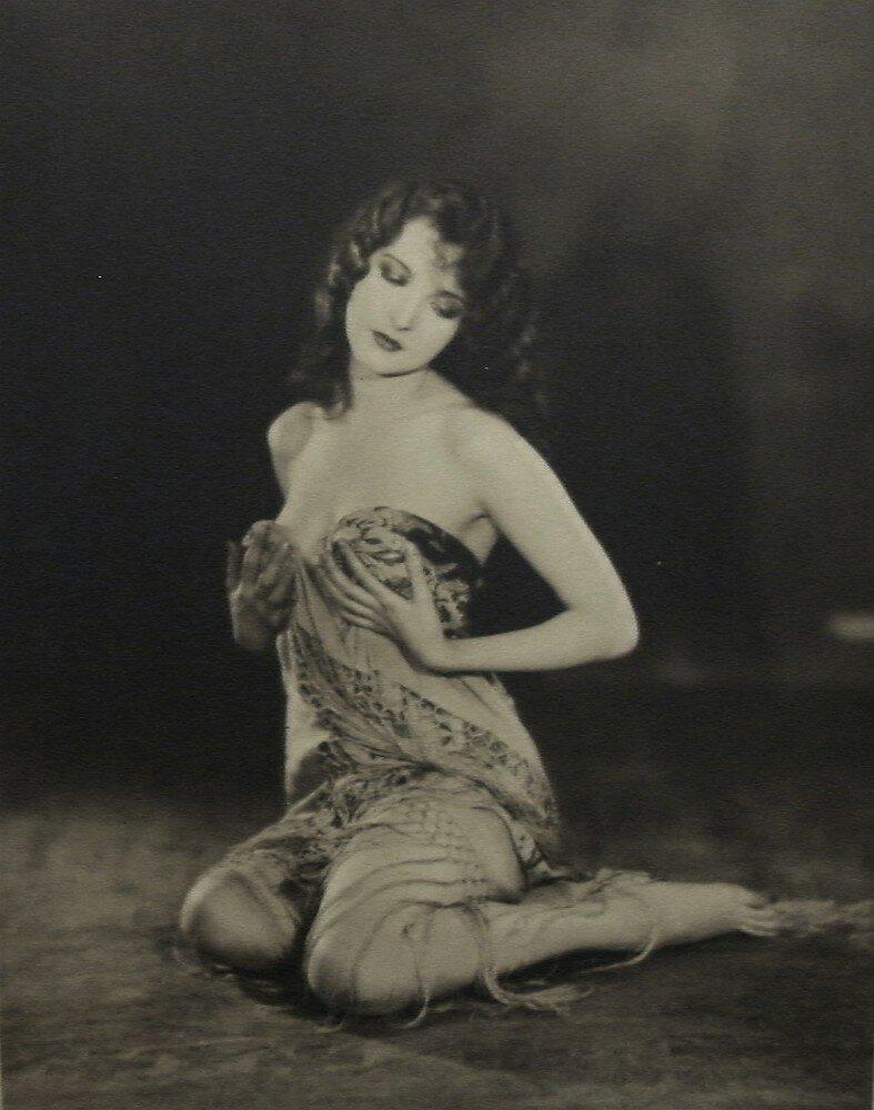 1920-е. Жаклин Логан