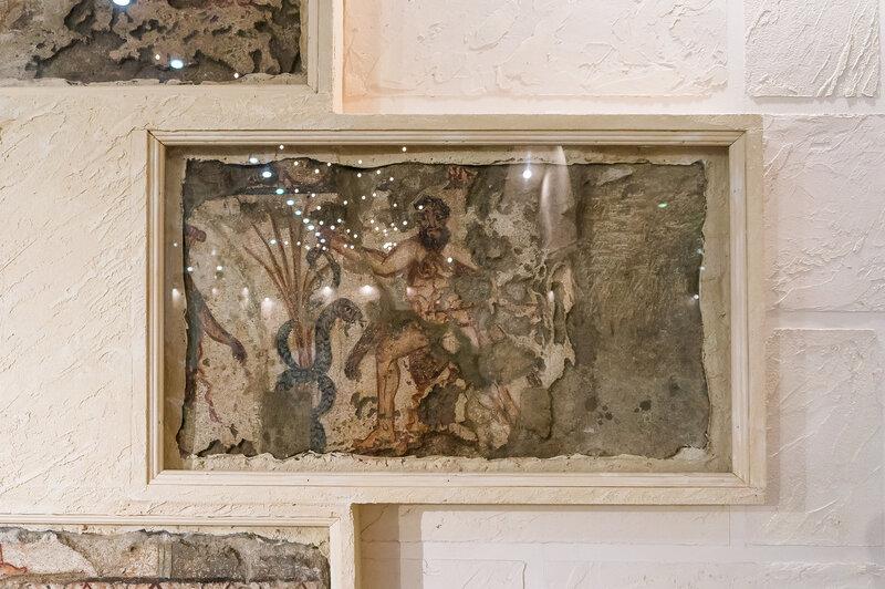 Горгиппия, археологический музей, анапа, синдская гавань, черное море, сереное черноморье, горгиппий, археология, археологические находки, статуи, мраморные памятные плиты, скульптура, археология, древний античный город, horus-0909, фрески из Склепа Герак